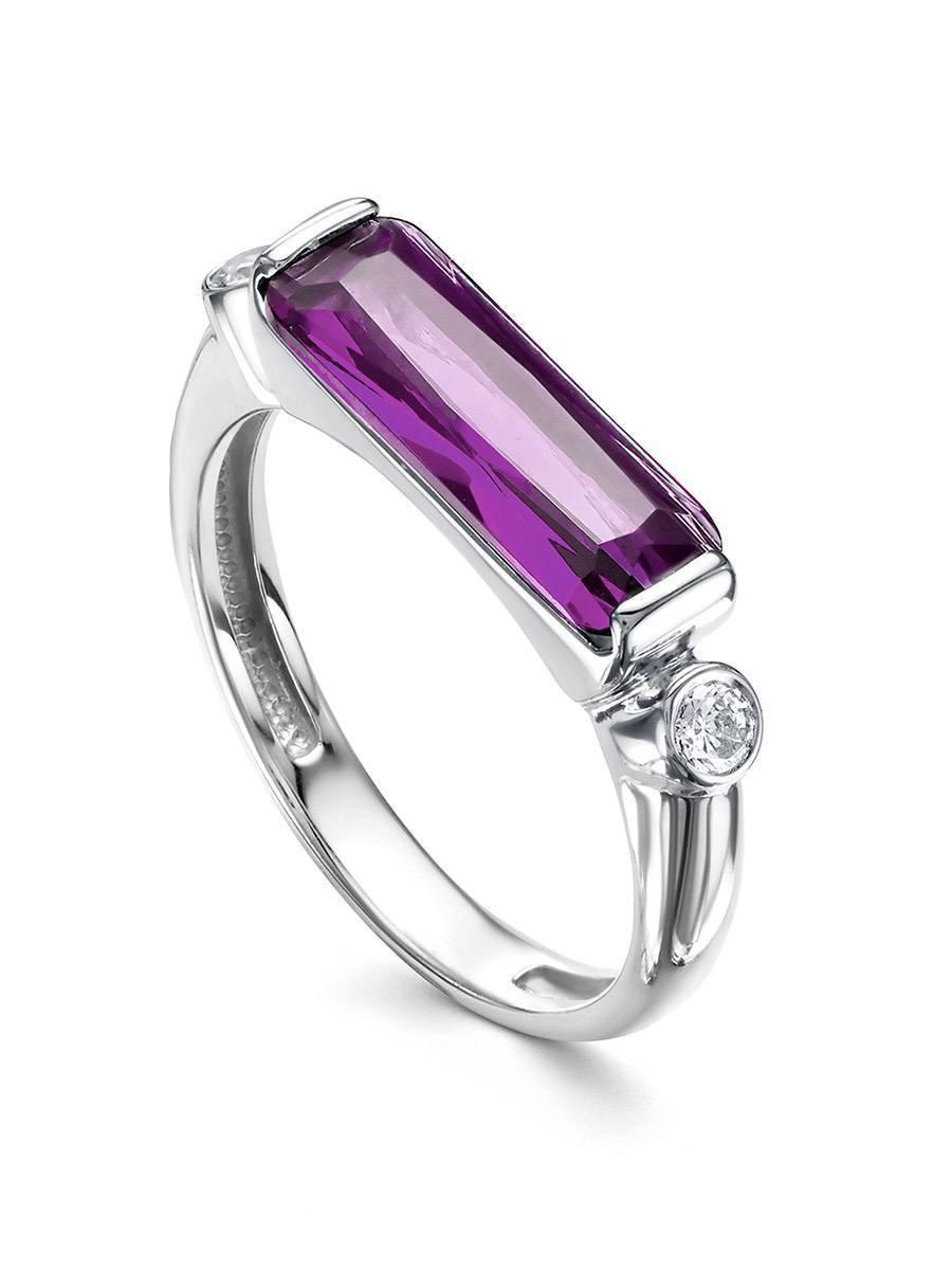 Геометричное серебряное кольцо с кристаллом прямоугольной формы, Размер кольца: 19, фото