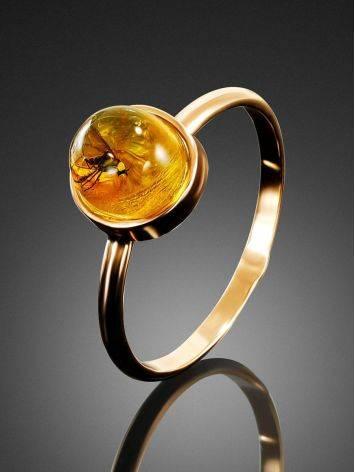 Изящное золотое кольцо «Клио», украшенное лимонным янтарём с инклюзом насекомого 17, Размер кольца: 17, фото , изображение 2