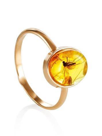 Нежное кольцо из золота и янтаря с инклюзом «Клио» 17, Размер кольца: 17, фото
