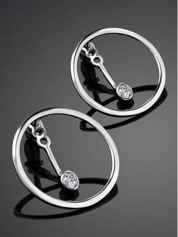 Серебряные серьги-гвоздики с кристаллами в необычном дизайне, фото , изображение 2