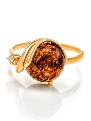 Яркое кольцо из золота и натурального янтаря коньячного цвета «Лебедь» 18, Размер кольца: 18, фото , изображение 3