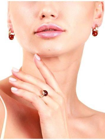 Яркое кольцо из золота и натурального янтаря коньячного цвета «Лебедь» 18, Размер кольца: 18, фото , изображение 2