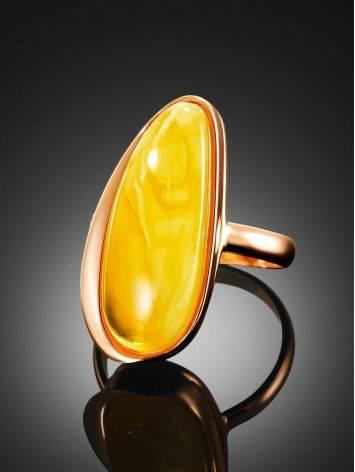 Удлинённое кольцо из натурального балтийского янтаря и золочённого серебра «Глянец» 18, Размер кольца: 18, фото , изображение 2