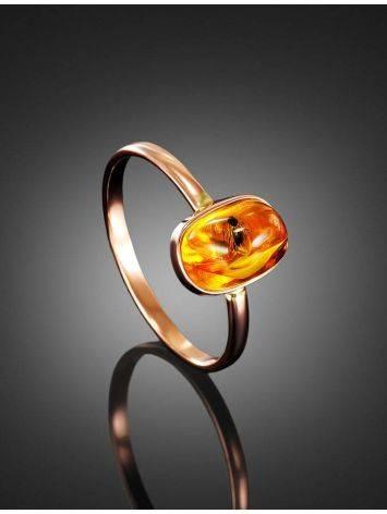 Кольцо из золота с натуральным балтийским янтарём с инклюзом «Клио» 17, Размер кольца: 17, фото , изображение 2