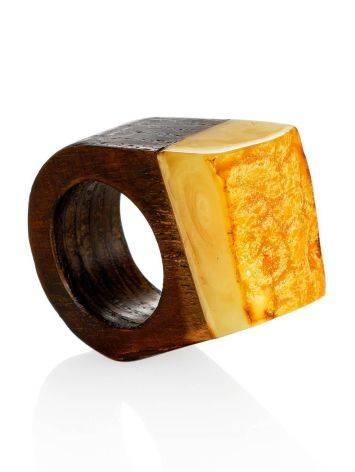 Этническое кольцо из натурального балтийского янтаря и дерева «Индонезия» 15, Размер кольца: 15, фото