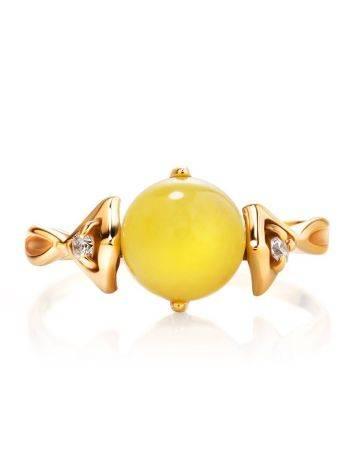 Легкое кольцо из золота 585 пробы с небольшой круглой вставкой из медового янтаря и цирконами «Самбия» 16.5, Размер кольца: 16.5, фото , изображение 4