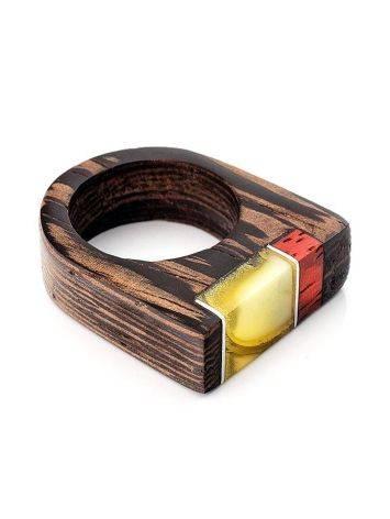 Стильное кольцо из дерева натуральным янтарём «Индонезия», Размер кольца: 17.5, фото