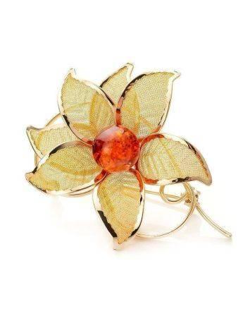 Брошь в форме цветка, украшенная натуральным янтарём Beoluna, фото