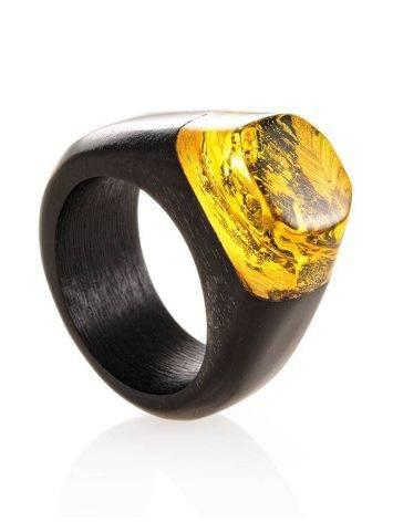 Эффектное кольцо из древесины граба и натурального янтаря «Индонезия», Размер кольца: 19.5, фото