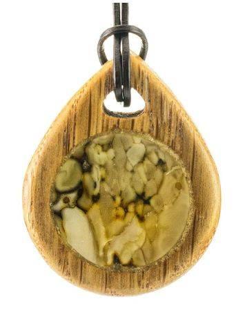 Кулон ручной работы «Индонезия» из натурального балтийского янтаря и дуба, фото