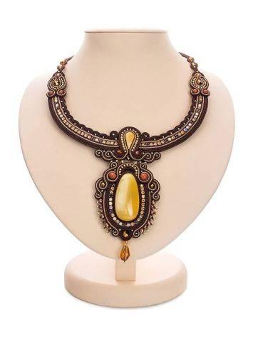Плетёное колье «Индия», украшенное кристаллами и цельным медовым янтарём, фото