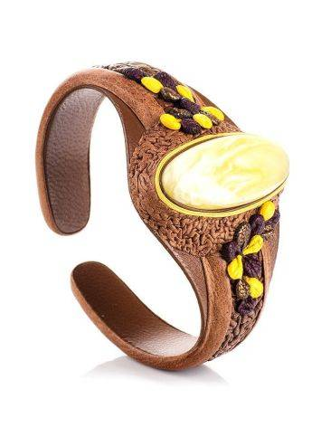 Эффектный браслет из натуральной кожи с пейзажным янтарём «Нефертити», фото