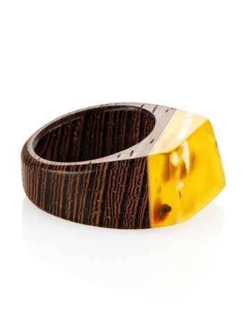 Стильное кольцо из натурального балтийского янтаря и дерева «Индонезия», Размер кольца: 19, фото , изображение 3