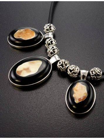 Оригинальное и эффектное колье из серебра, натурального янтаря и каучука «Пантера», фото , изображение 2
