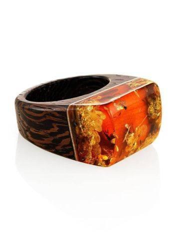 Необычное кольцо в эко-стиле из дерева с натуральным искрящимся янтарём «Индонезия», Размер кольца: 17.5, фото , изображение 4