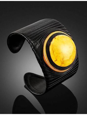 Оригинальный браслет в этническом стиле из кожи и балтийского янтаря с пейзажной текстурой «Нефертити», фото , изображение 2