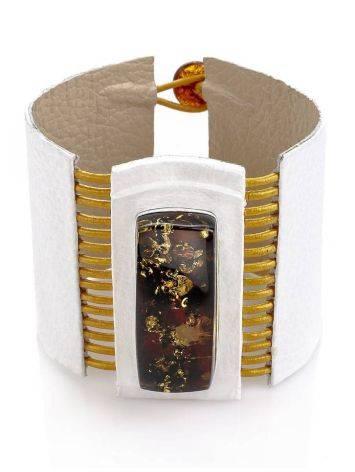 Стильный браслет из белой кожи со вставкой из балтийского янтаря «Амазонка», фото , изображение 4