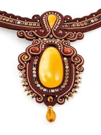 Плетёное колье «Индия», украшенное кристаллами и цельным медовым янтарём, фото , изображение 5