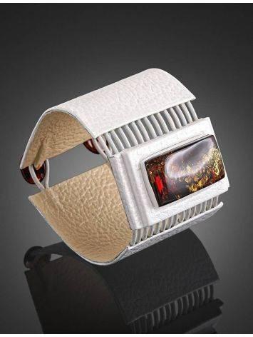 Необычный браслет из белой кожи и искрящегося янтаря «Амазонка», фото , изображение 2