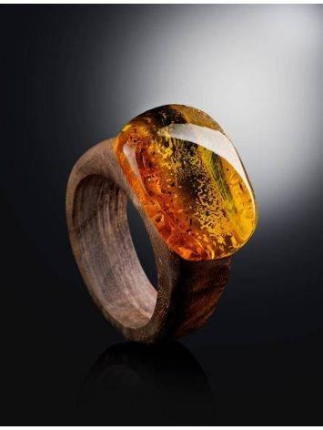 Эффектное кольцо из древесины ореха со вставкой из натурального янтаря «Индонезия» 16.5, Размер кольца: 16.5, фото , изображение 2