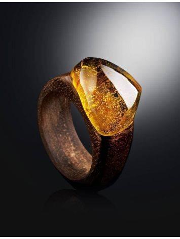 Кольцо в этническом стиле из древесины ореха со вставкой из цельного янтаря «Индонезия» 17.5, Размер кольца: 17.5, фото , изображение 2