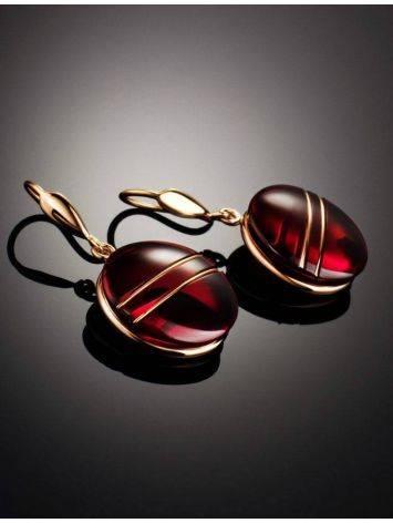 Эффектные золотые серьги «Сангрил» с ярко-красным янтарём, фото , изображение 2
