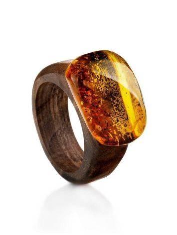 Эффектное кольцо из древесины ореха со вставкой из натурального янтаря «Индонезия» 16.5, Размер кольца: 16.5, фото