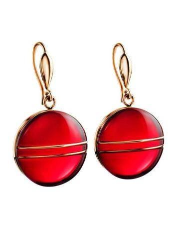 Эффектные золотые серьги «Сангрил» с ярко-красным янтарём, фото