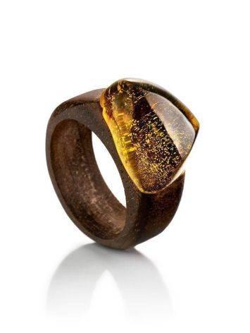 Кольцо в этническом стиле из древесины ореха со вставкой из цельного янтаря «Индонезия» 17.5, Размер кольца: 17.5, фото
