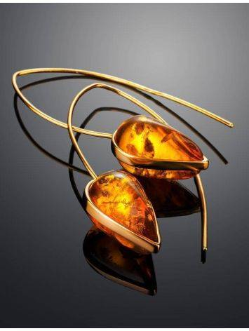 Оригинальные серьги-крючки из позолоченного серебра и золотистого янтаря «Импульс», фото , изображение 2