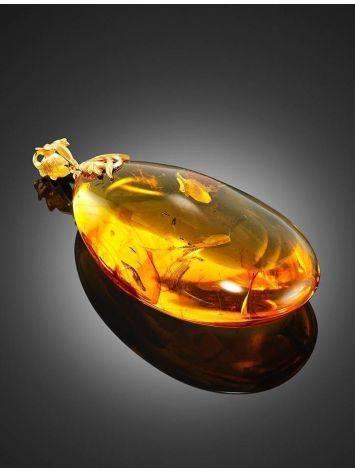 Крупный кулон из золотистого янтаря с инклюзом, фото , изображение 4