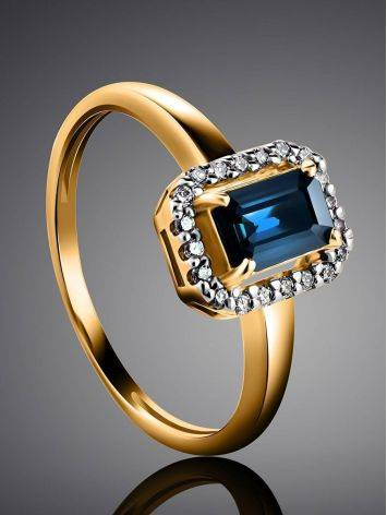 Нарядное золотое кольцо с сапфиром и бриллиантами «Ундина», Размер кольца: 18, фото , изображение 2