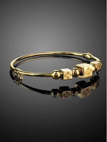 Стильный золотой браслет-обруч с кубиками-шармами, фото , изображение 2