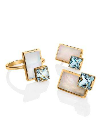 Эффектное золотое кольцо с голубым топазом и перламутром, Размер кольца: 16.5, фото , изображение 4