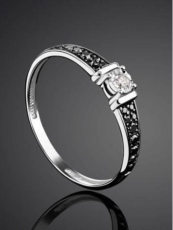 Золотое кольцо с черными и белыми бриллиантами, Размер кольца: 17.5, фото , изображение 2